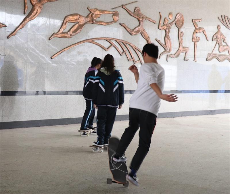 滑板2.jpg